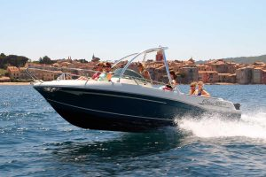 Water sports holidays Powerboating